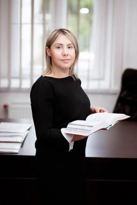 Adwokat Alina Żywomirska-Leśniczek