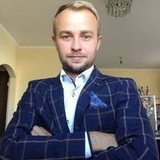 Adwokat Mateusz Grzechowiak