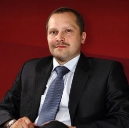 Adwokat Piotr Danek