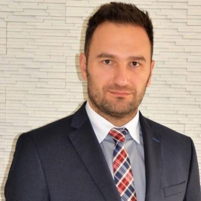 Adwokat Łukasz Kazaren